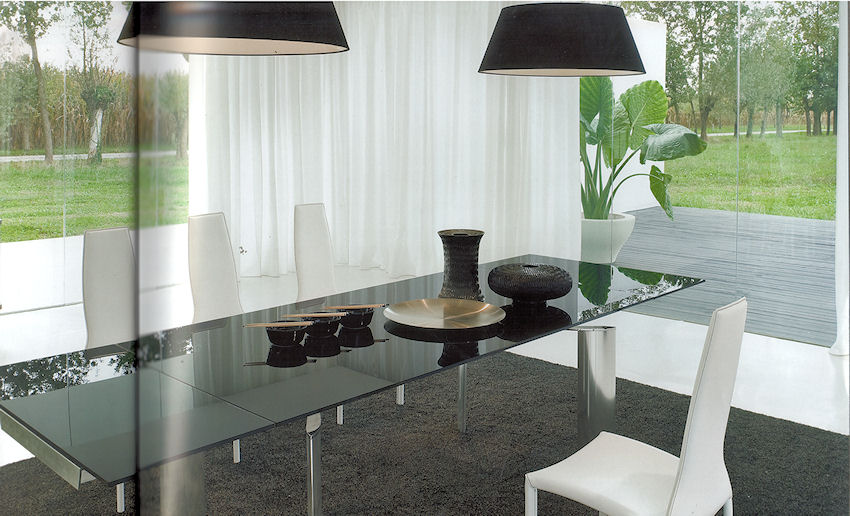 Arcos Dining Table