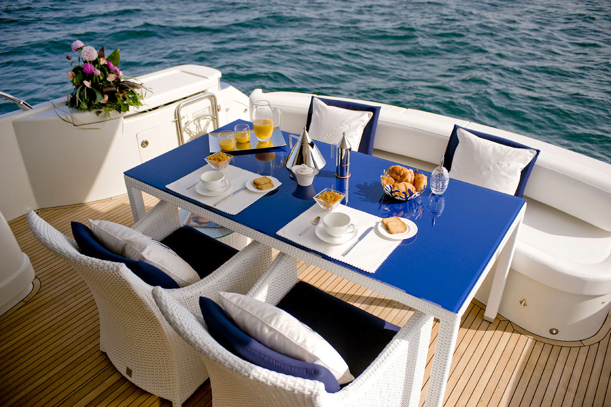 Italian Outdoor Dining