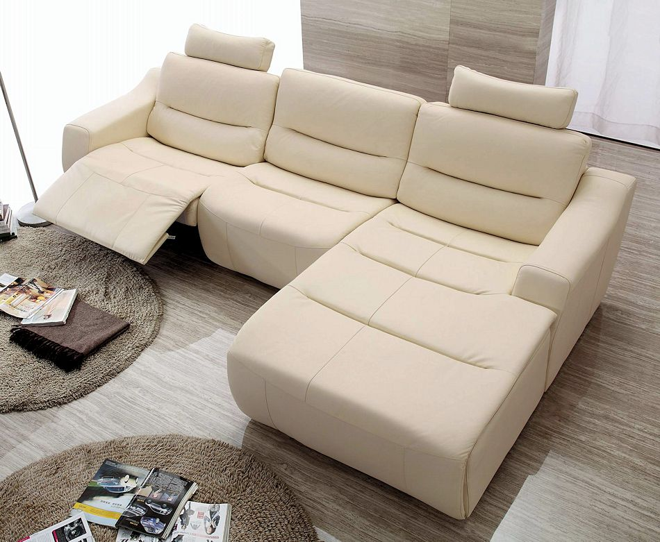 This beautiful real Italian leather sectional with one recliner offers ...